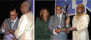 Min. Farrakhan receives awards from the National Dental Association in Chicago. Photos: Haroon Rajaee